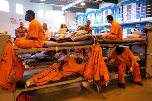 http://paramecw.files.wordpress.com/2010/07/prison-overcrowding-lancaster-2008-by-spencer-weiner-ap.jpg